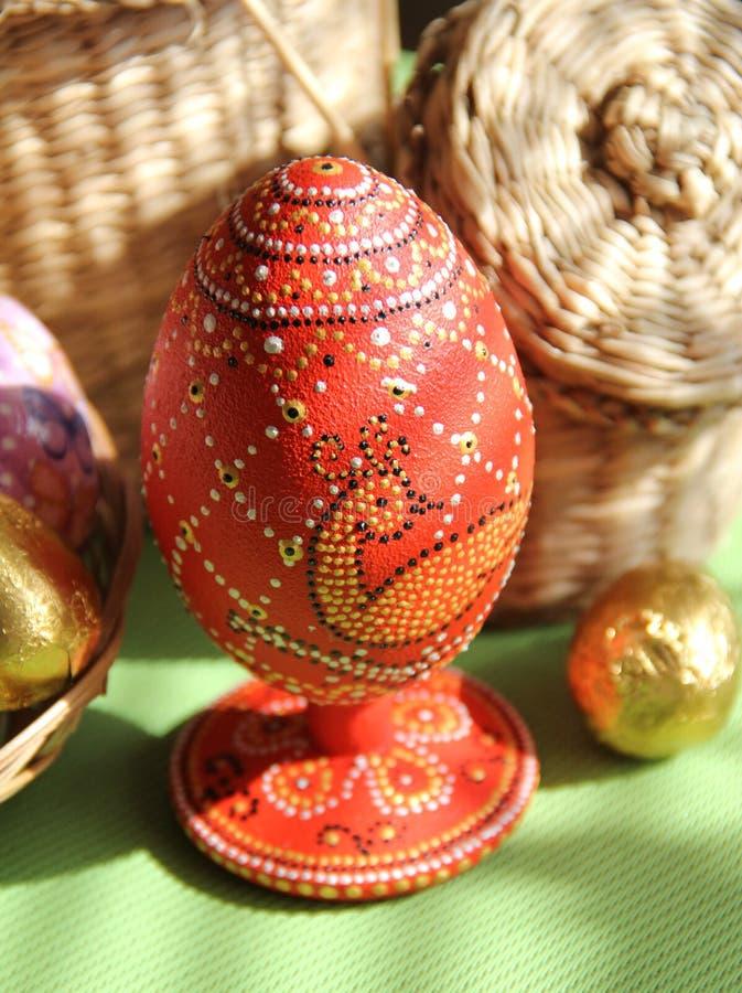 Estilo handmade tingido dos ovos do ponto ao ponto fotografia de stock royalty free