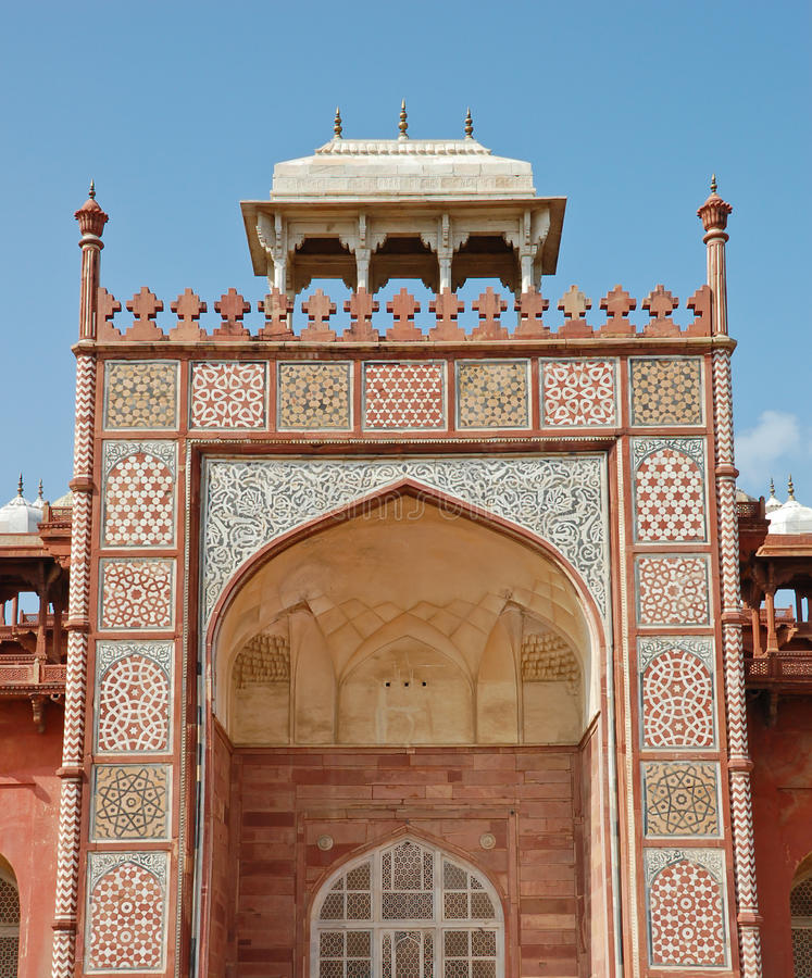 Estilo islámico de la tumba de Akbar. imagen de archivo