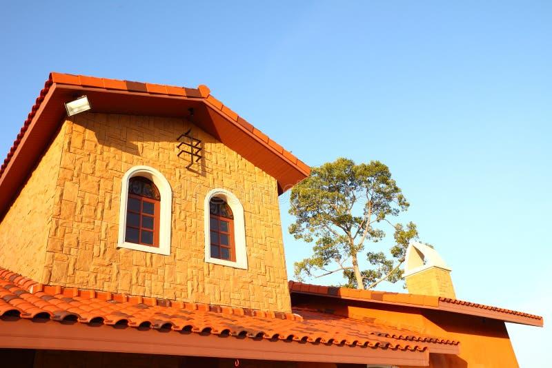 Estilo italiano de la casa foto de archivo imagen de - Casas de estilo italiano ...