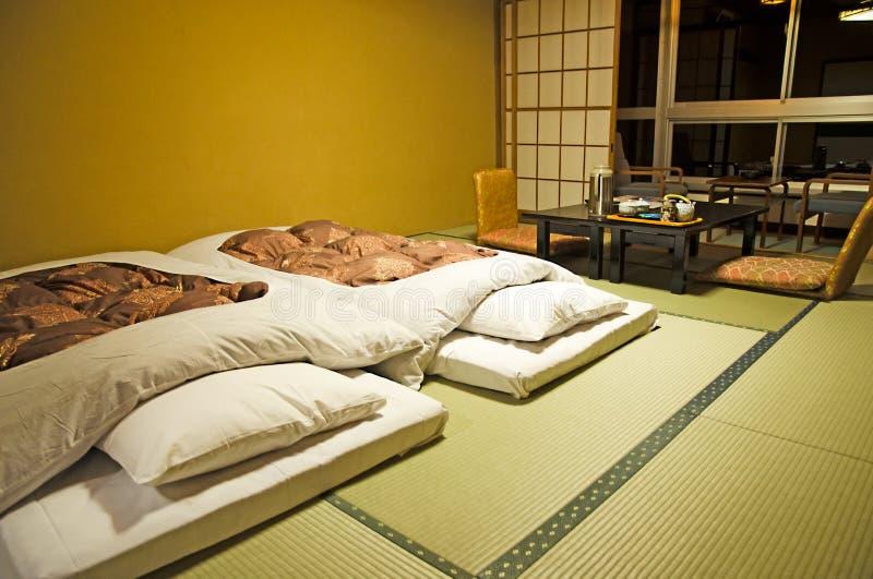 Estilo japonés del dormitorio foto de archivo