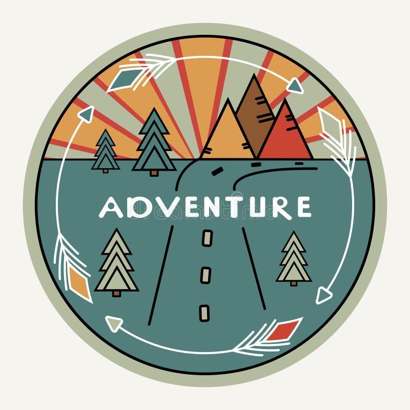 Estilo retro o del vintage redondo Decoración al aire libre para los coches, viaje Montañas, pinos, puesta del sol Aventura de la ilustración del vector