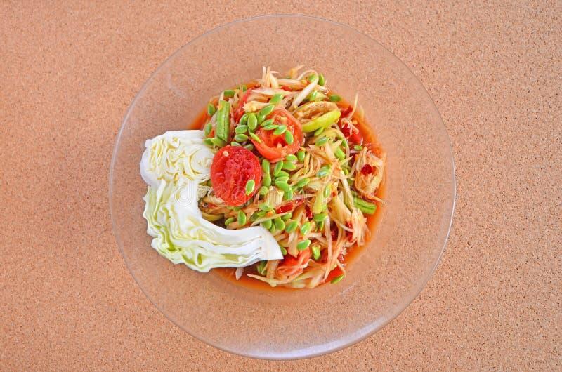 Estilo tailandés de la ensalada caliente deliciosa de la papaya imagen de archivo