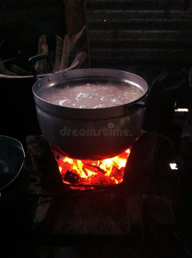 Estilo tailandês que cozinha o lado do país imagens de stock