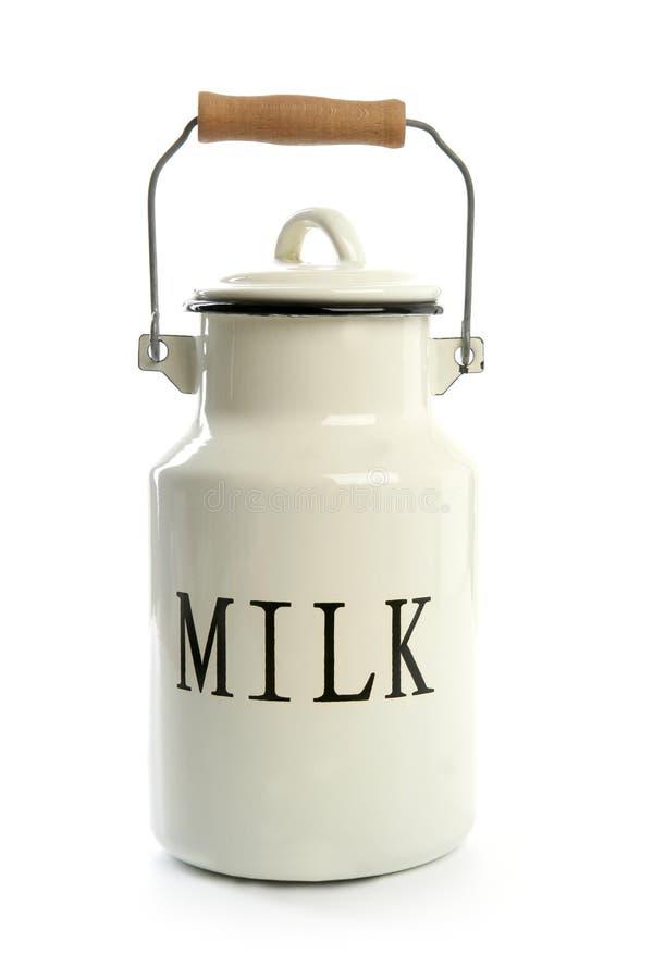 Estilo tradicional do fazendeiro do potenciômetro branco do urn do leite fotos de stock royalty free