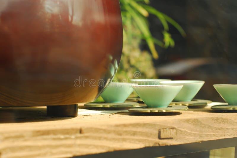 Estilos agradables de cerámica chinos de las tazas de té fotografía de archivo