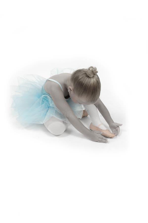 Estiramento do dedo do pé da bailarina imagem de stock