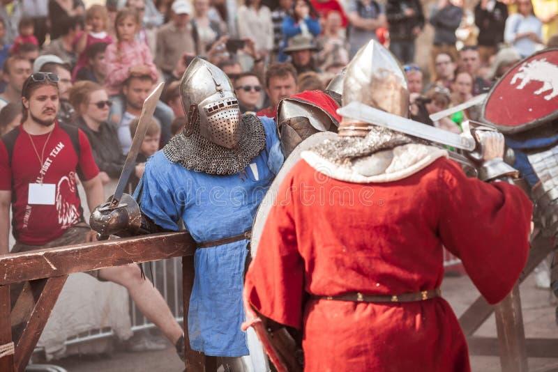 ESTLAND, TALLINN - 4. JUNI 2016: Internationales historisches Schwertkämpfenturnier alten Tallinn-Cups lizenzfreie stockbilder