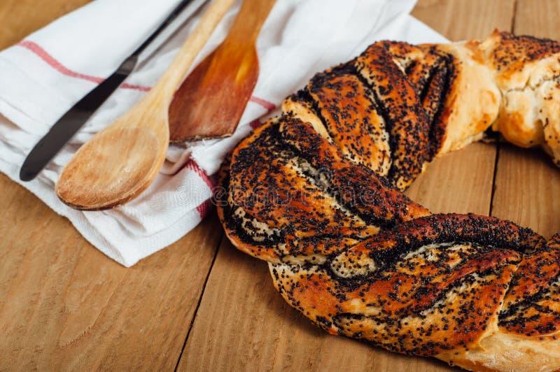 Estlands gebakje kringel met papaverzaden stock afbeelding
