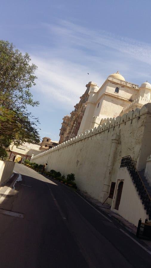 Esto es un palacio en la India fotos de archivo