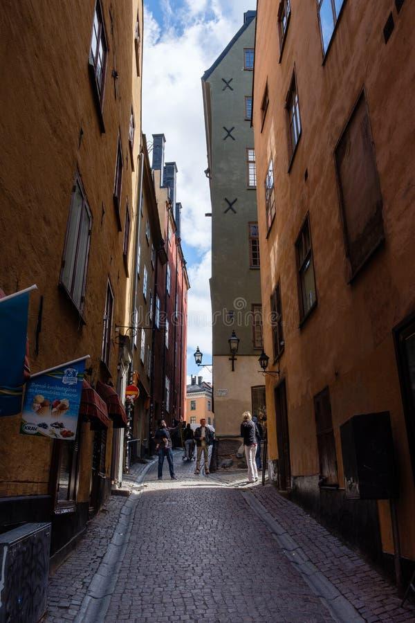 Estocolmo, Suecia, turistas en la ciudad vieja fotografía de archivo libre de regalías