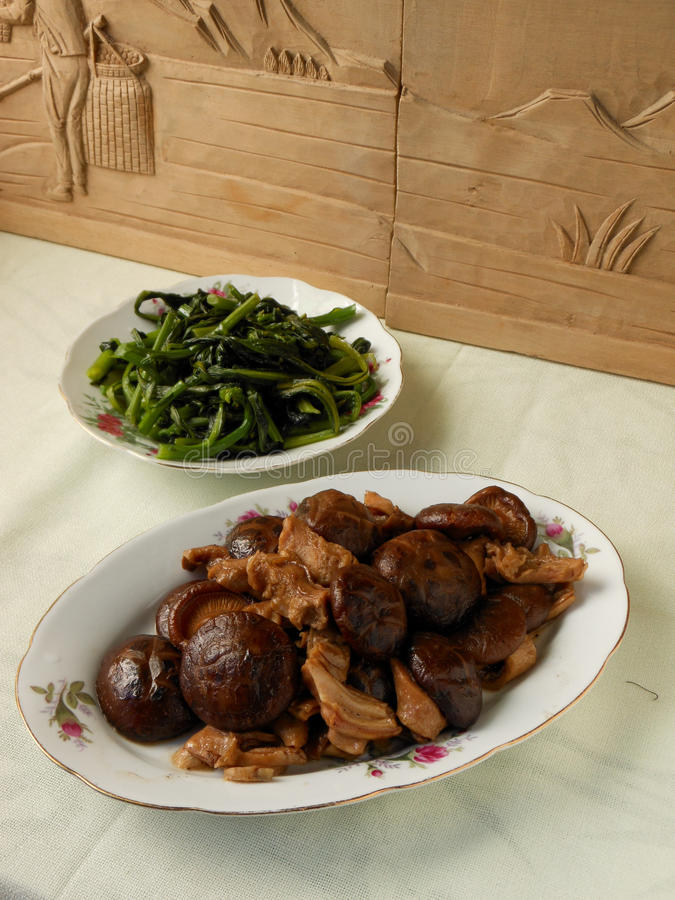 Estomac noir de porc de sauté de champignon image libre de droits