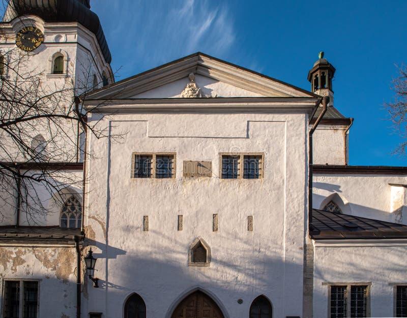 Estonia Tallinn Toompea, edificio viejo de la ciudad foto de archivo