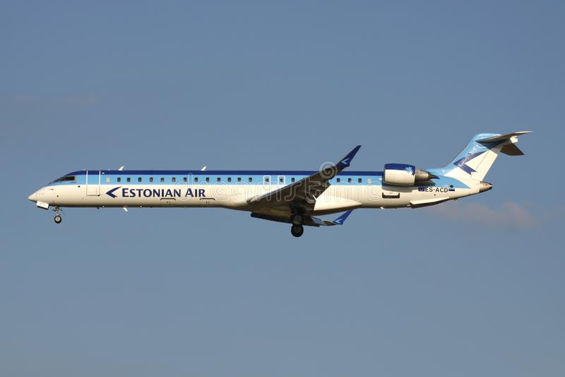 Estonian Air Bombardier CRJ900 arkivbilder