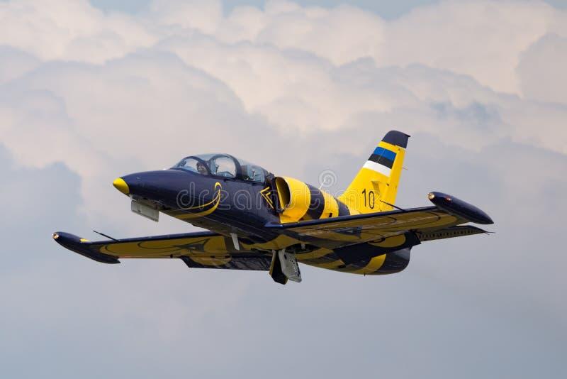 Estonian Air tvingar flygplan för instruktören för den Eesti Ohuvagi Aero L-39C albatrossstrålen arkivfoton