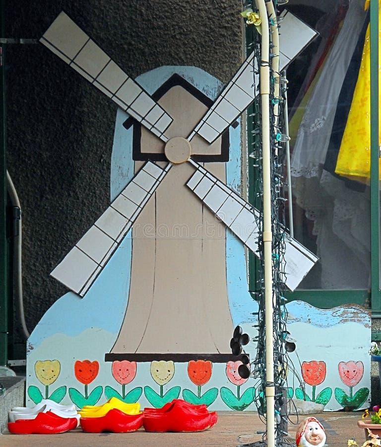 Estorbos de los tulipanes del molino de viento foto de archivo libre de regalías