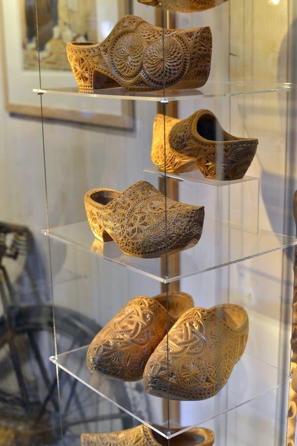 Estorbos de madera holandeses hechos a mano tradicionales en museo del estorbo foto de archivo libre de regalías