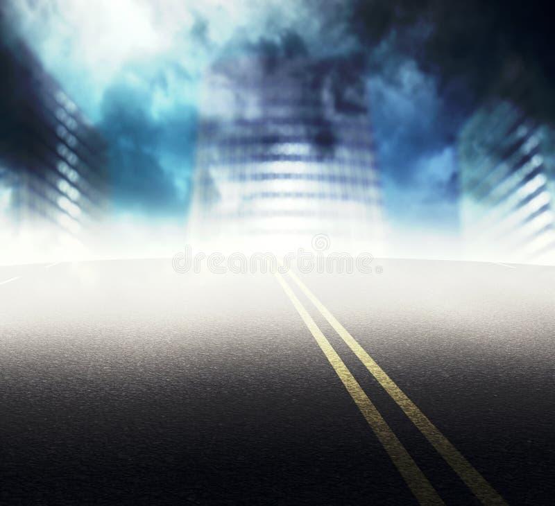 Estrada à cidade nevoenta ilustração stock