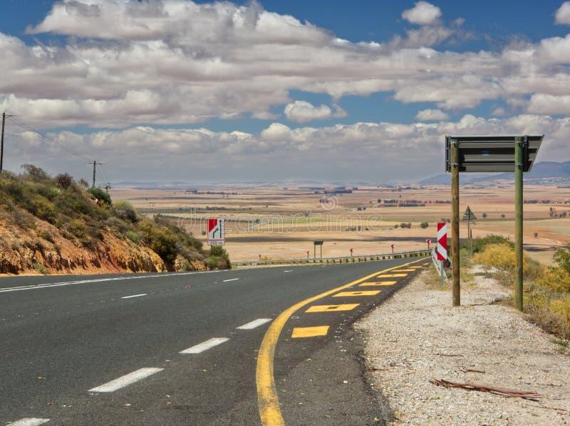 Estrada à nenhum-homem-terra em África do Sul foto de stock royalty free