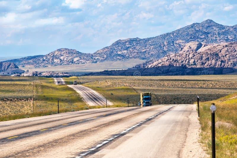 Estrada 287 dos E.U. em Wyoming EUA fotos de stock