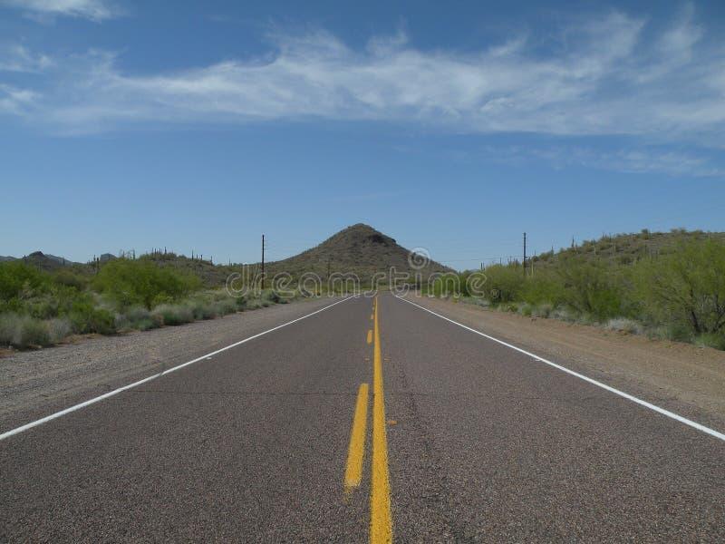 Estrada ao céu - imagem 1 do estoque de estrada foto de stock