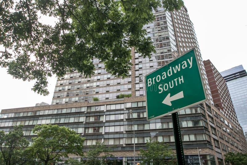 A estrada assina dentro Manhattan imagem de stock