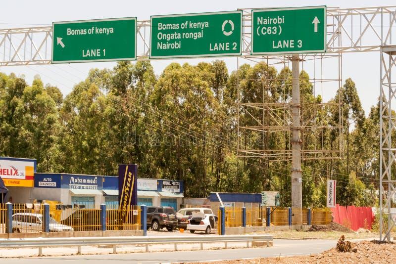 A estrada assina dentro Nairobi imagem de stock royalty free