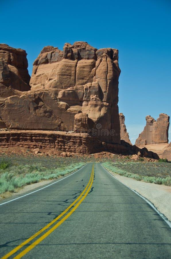 A estrada a aventurar-se imagens de stock royalty free