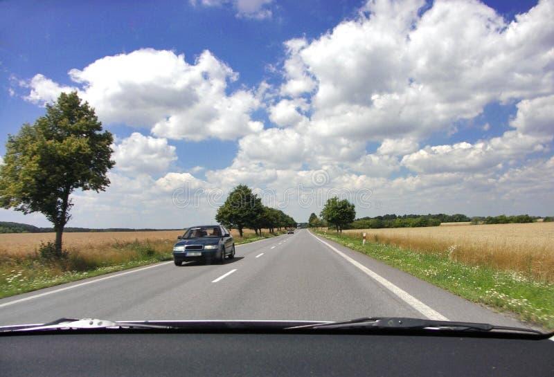 Estrada checa imagem de stock