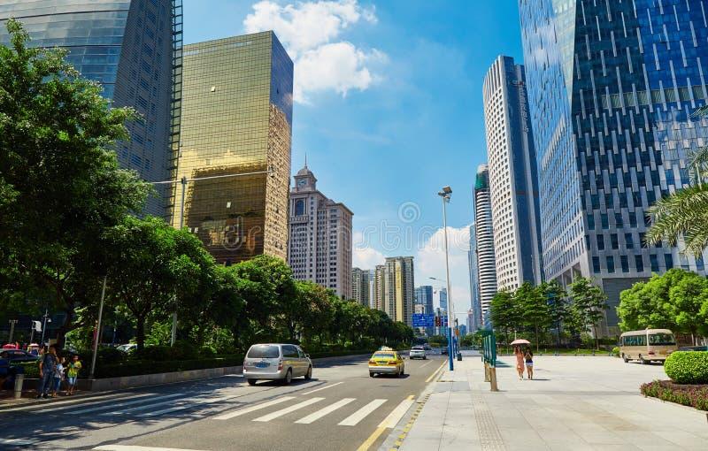 estrada China da rua da cidade, opinião do centro urbana moderna da rua imagens de stock royalty free