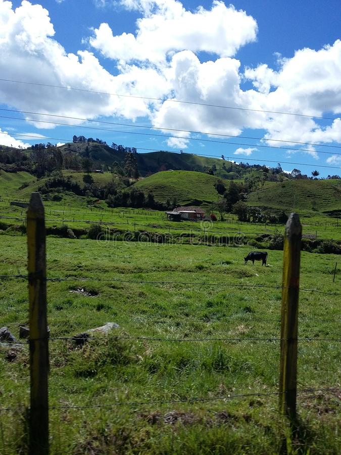 Estrada colombiana e grandes paisagens fotografia de stock royalty free