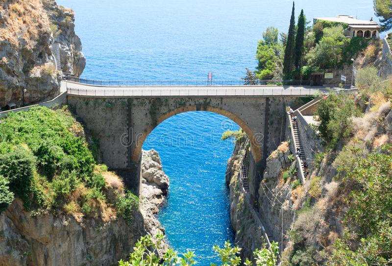 Estrada da costa de Amalfi, Itália fotos de stock