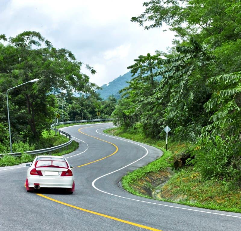 Estrada da curva na montanha fotografia de stock