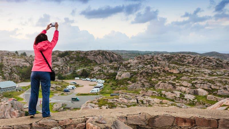Estrada da montanha de Trollstigen do trajeto das pescas à corrica em Noruega imagens de stock royalty free