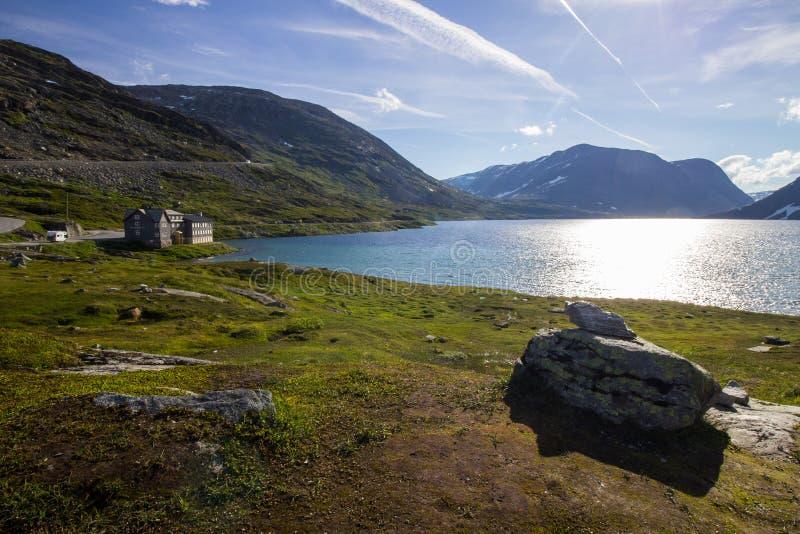 Estrada da montanha do trollstigen de Geiranger em Noruega sul foto de stock royalty free
