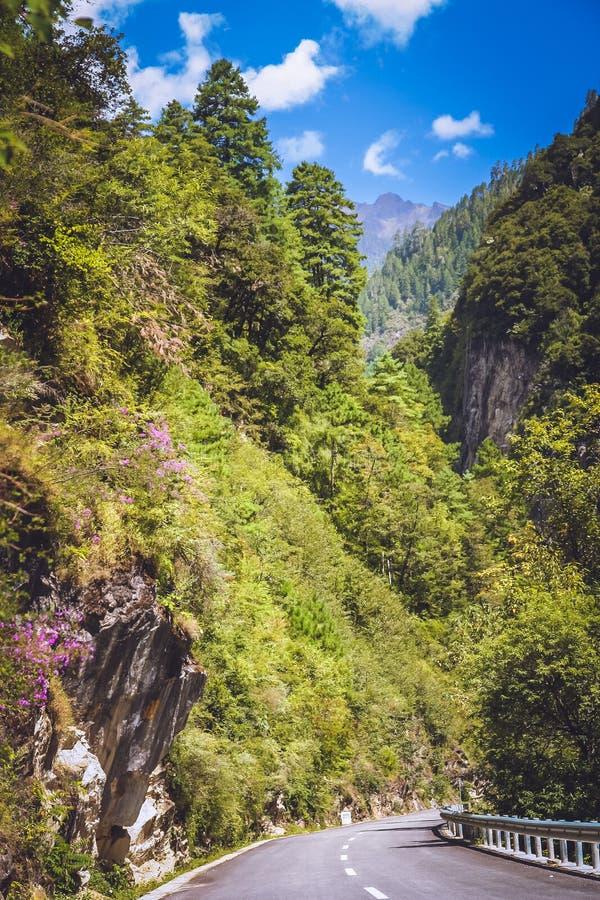 Estrada da montanha a Yunnan fotos de stock royalty free