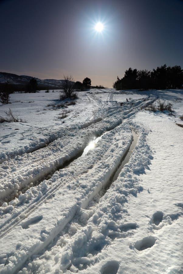 Estrada da neve do inverno fotos de stock