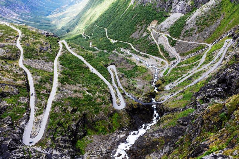 Estrada da pesca à corrica de Noruega imagens de stock royalty free