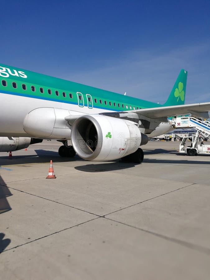 Estrada de Aer Lingus a Dublin imagens de stock royalty free