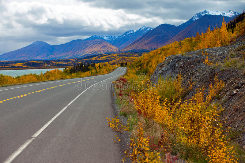 Estrada de Alaska, territórios yukon, Canadá fotografia de stock royalty free