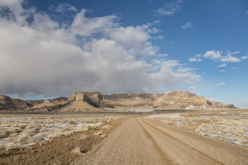 Estrada de areia na paisagem de Wild West Utah foto de stock royalty free