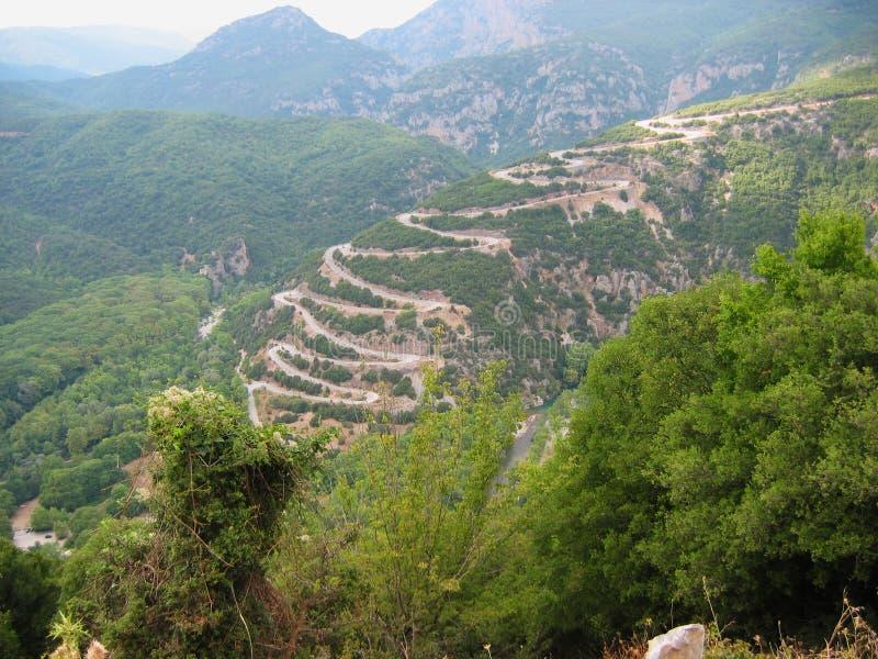 Estrada de Aristi Papingo na região Grécia de Epirus imagens de stock