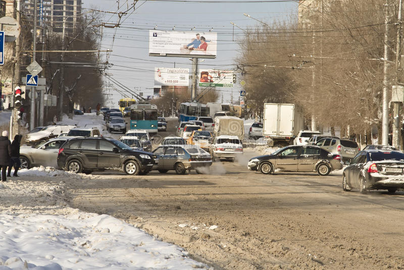 Estrada de cidade cancelada da neve imagem de stock royalty free