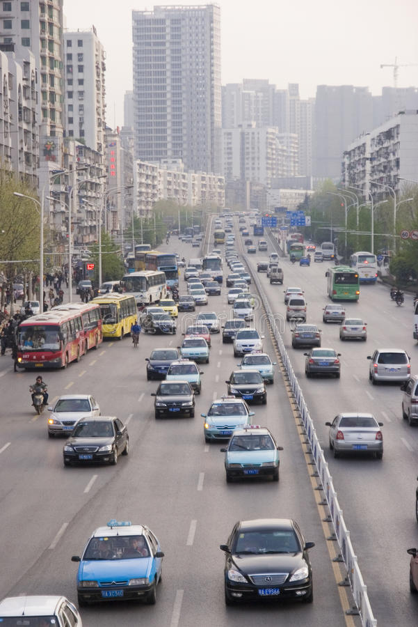 Estrada de cidade em Wuhan fotos de stock