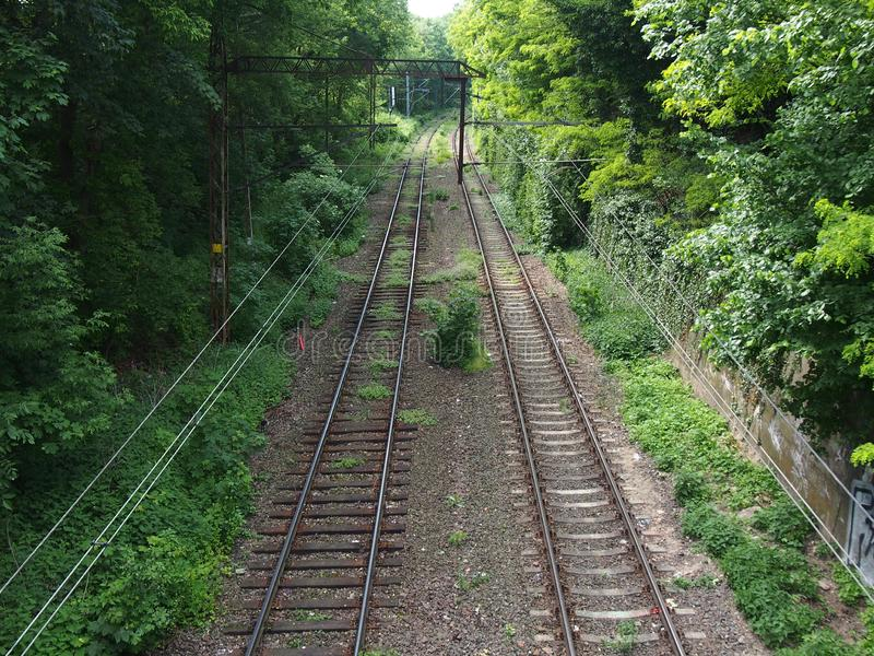Estrada de ferro abandonada Szczecin Polônia no junho de 2019 fotos de stock royalty free