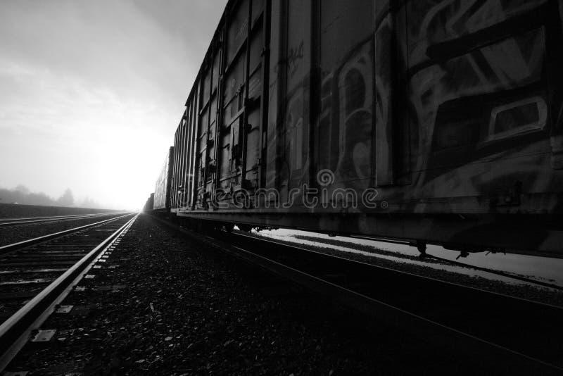 Estrada de ferro ao céu fotografia de stock royalty free