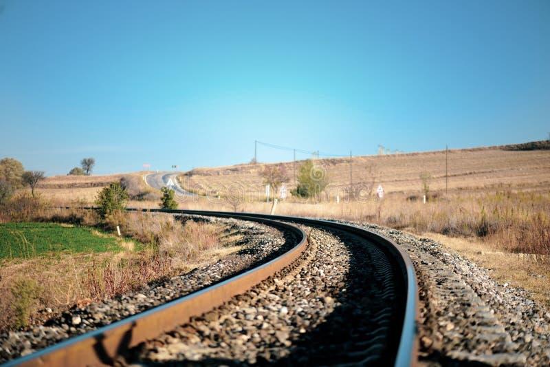 Estrada de ferro em áreas rurais imagens de stock