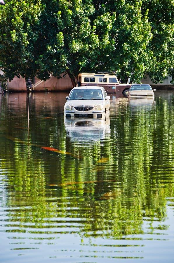 Estrada de Jaransanitwong durante a inundação a mais má imagem de stock