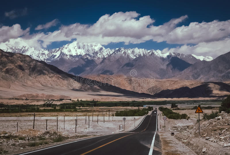 Estrada de Karakorum fotografia de stock royalty free