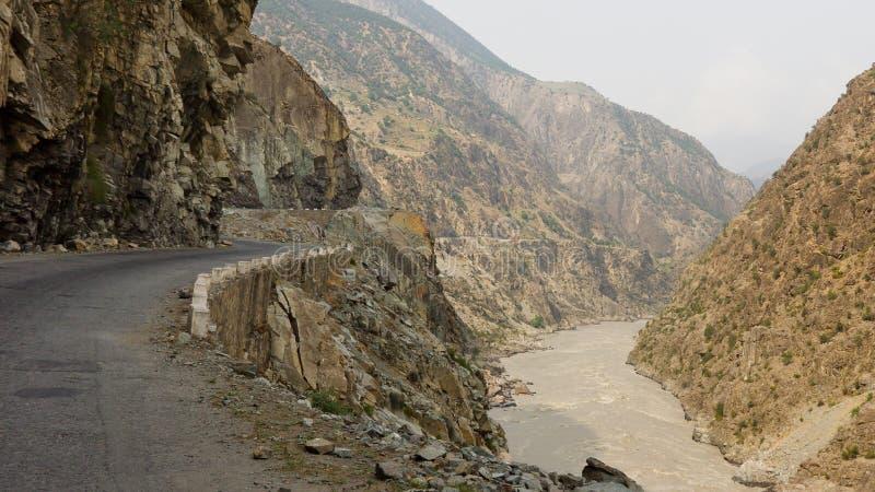 Estrada de Karakorum em Paquistão imagens de stock