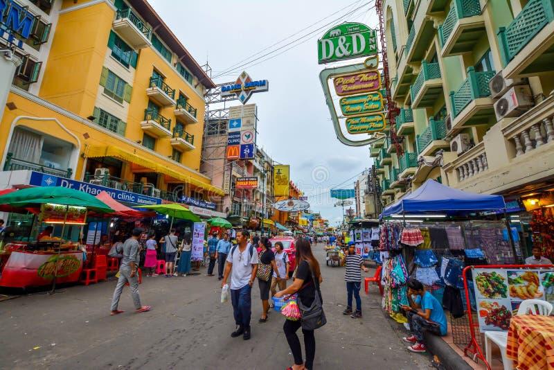 Estrada de Khao San em Banguecoque, Tailândia imagens de stock